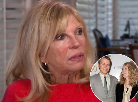 """Nancy Sinatra calls duets with Frank """"hilarious"""""""