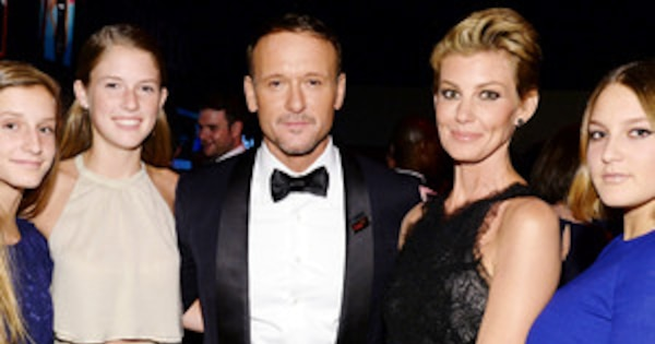 Faith hill and tim mcgraw 39 s daughters are 39 39 growing up so for How old are tim mcgraw and faith hill s kids