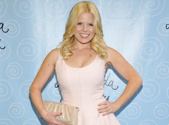 megan hilty safe and sound перевод