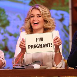 Daphne Oz, Pregnant