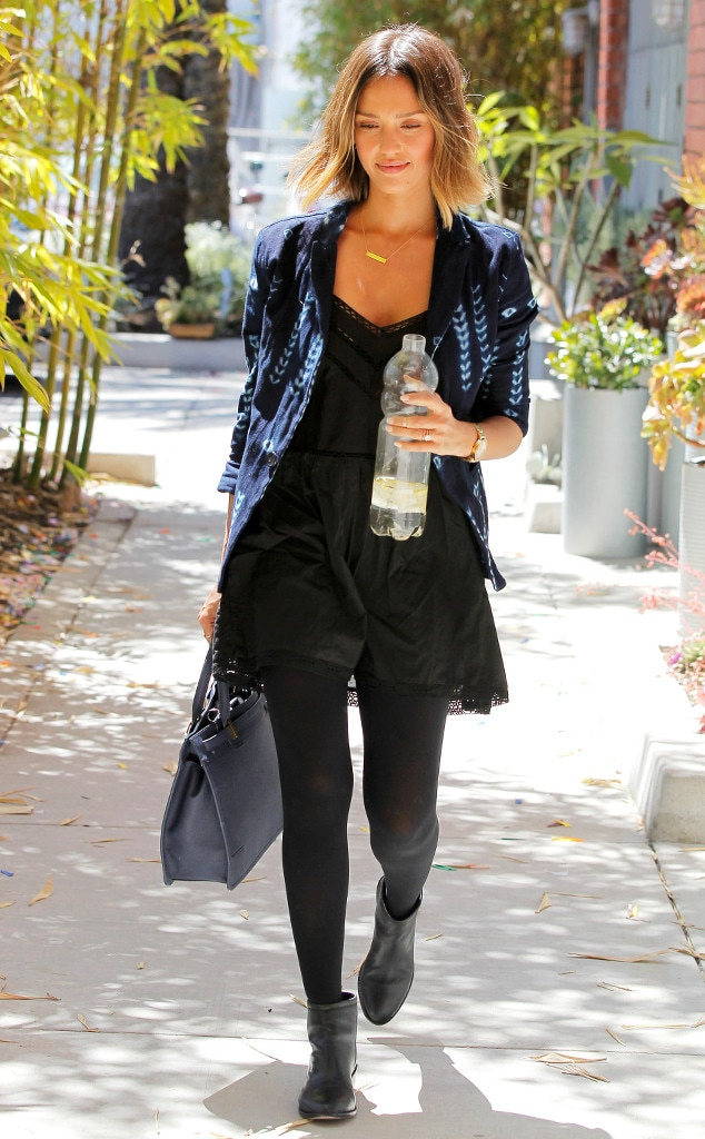 Style Du Jour From Jessica Alba 39 S Street Style E News