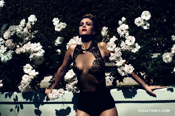 Kristen Wiig, VIOLET GREY, EMBARGO until 04/30/15 at 9:01PM PST
