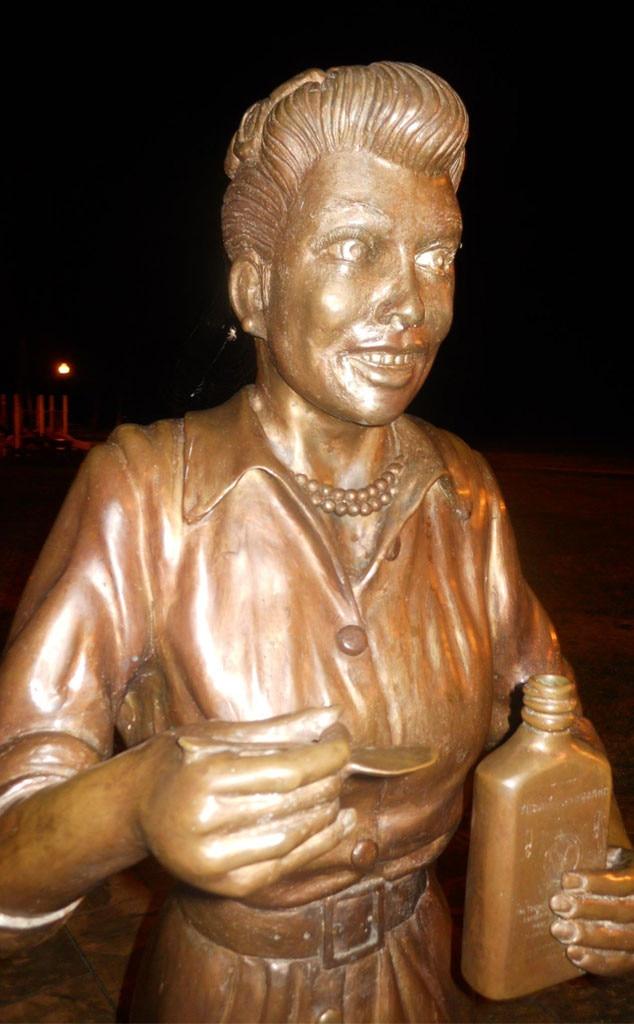 Lucille Ball, Statue