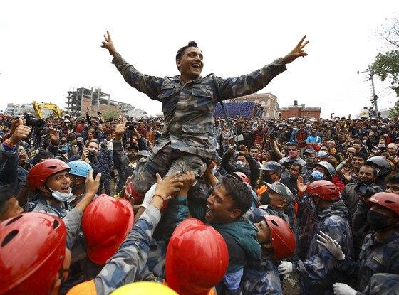 Nepal Earthquake, Crowd Cheering