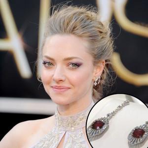 Amanda Seyfried, Earrings