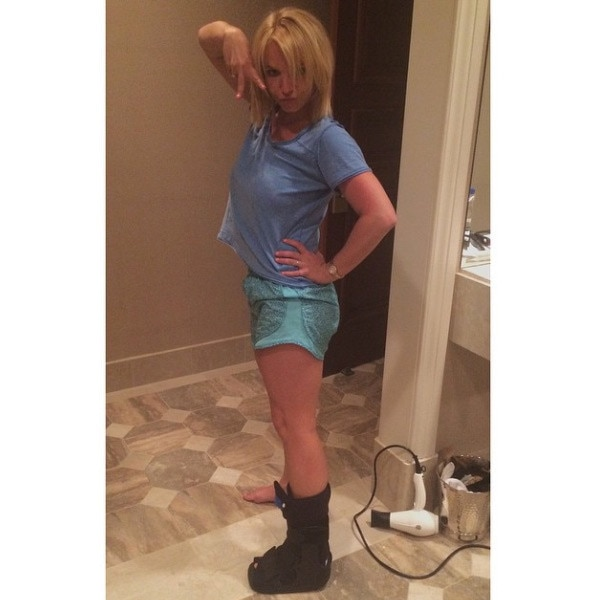 Britney Spears Shows Off Her New Bootie After Concert ... Britney Spears Instagram