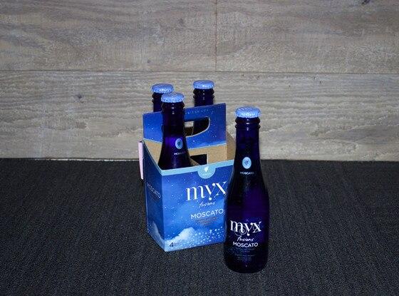 Celebrity Wine Tasting, Myx