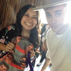Justin Bieber, Justin Bieber Backpack, Twitter