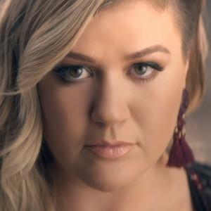 Kelly Clarkson, Invincible