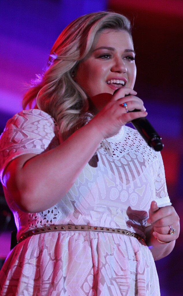 iHeartRadio Summer Pool Party, Kelly Clarkson