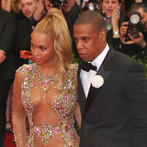 Jay Z, Beyonce, Pizza Photobomb