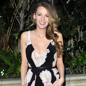 Blake Lively Breastfeeds Daughter James In A Bikini Posts