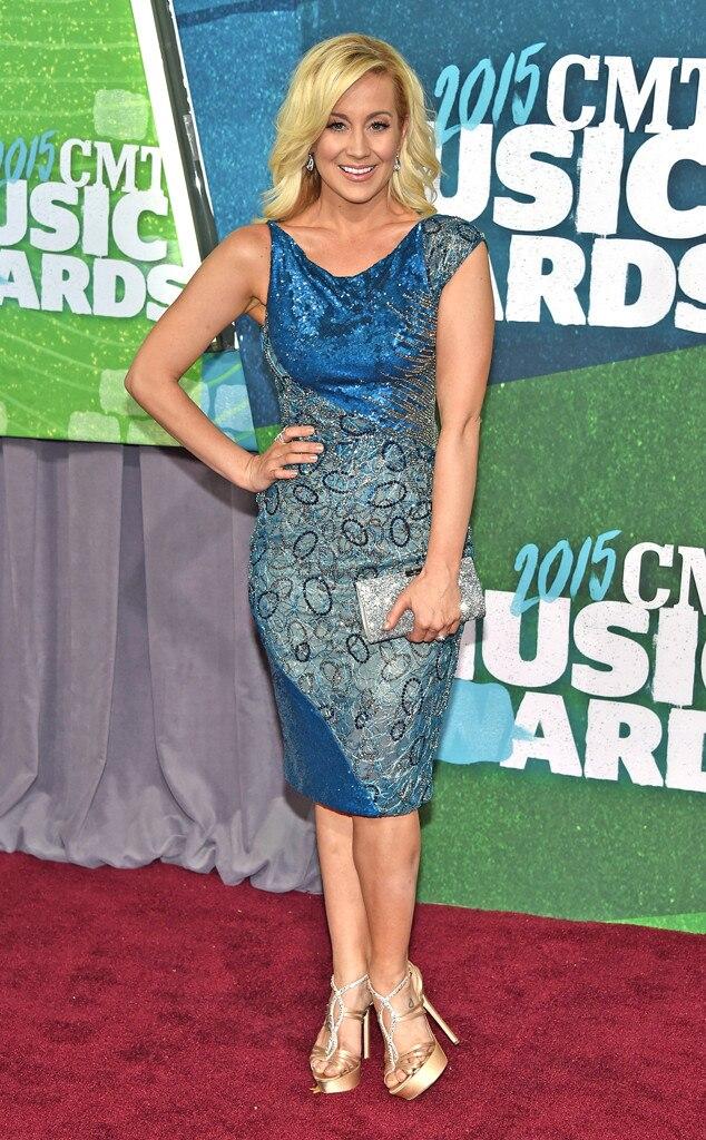 2015 CMT Music Awards Red Carpet Arrivals Photos