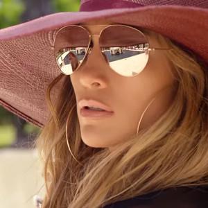 Jennifer Lopez, Sunglasses