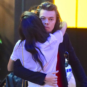 Harry dating sara