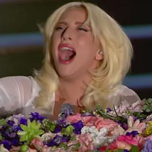 Lady Gaga, Imagine