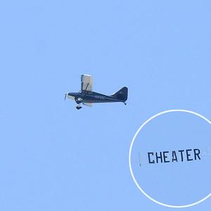 Bobby Flay, Cheater Plane