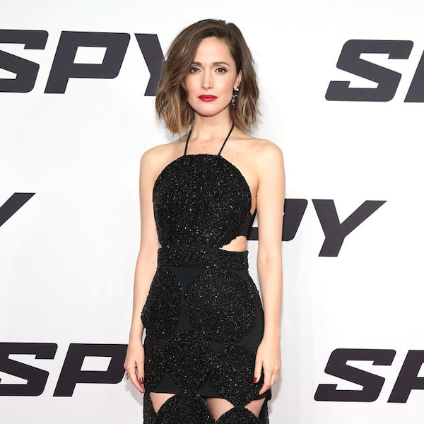 cutout queen from rose byrne 39 s best looks e news. Black Bedroom Furniture Sets. Home Design Ideas