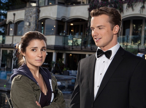 Un-Real, Shiri Appleby, Freddie Stroma