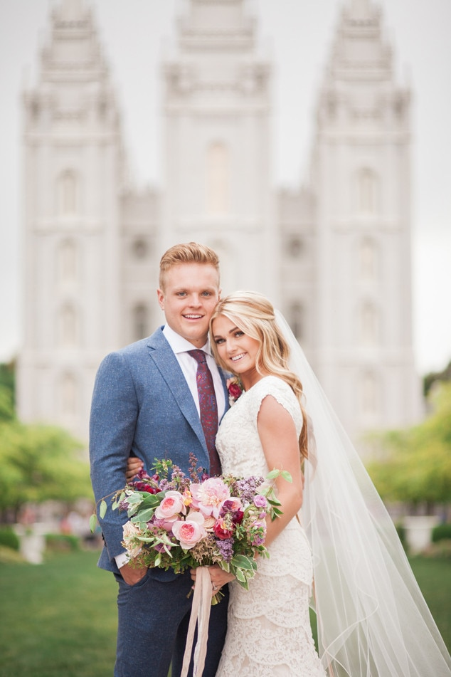 Dwts pro lindsay arnold marries high school sweetheart see pics of the