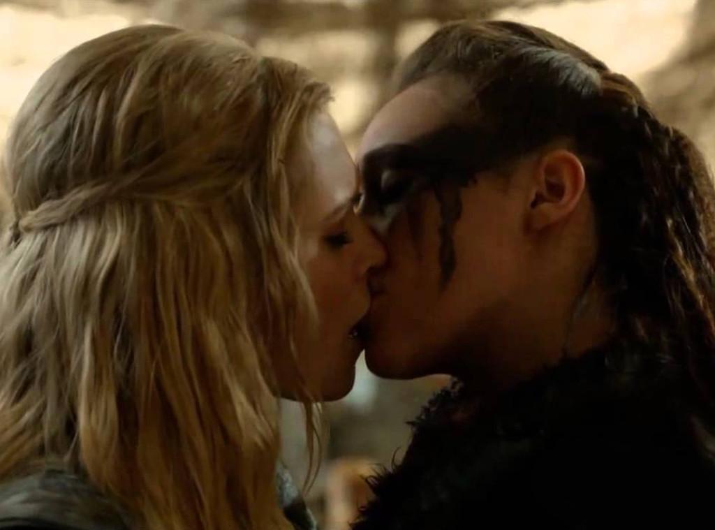 Lexa, Clarke, first kiss, The 100