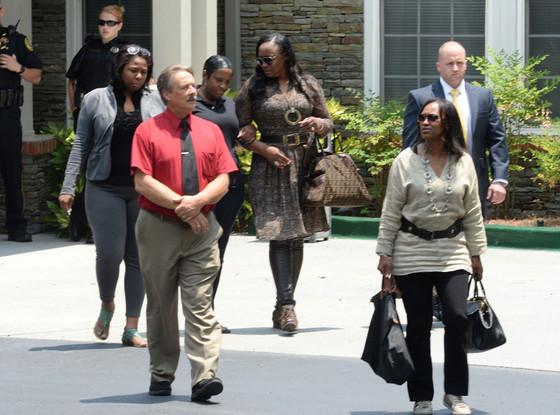 Pat Houston, Tina Brown, Bobbi Kristina Family, Leaving Hospice