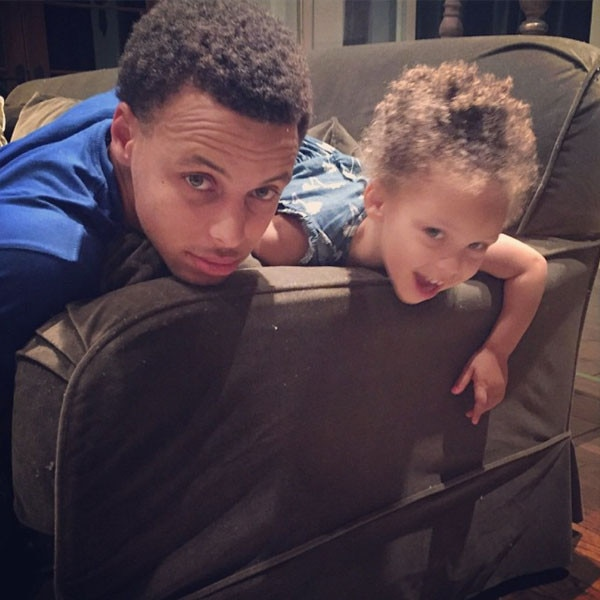 5 reasons why we love stephen curry and his adorable