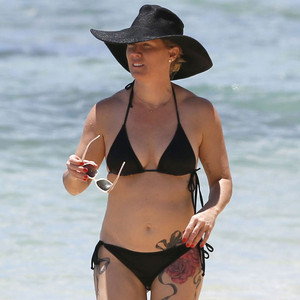 Jennie Garth, Bikini