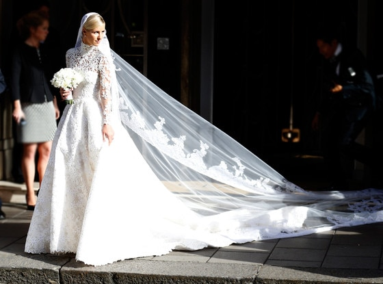 First Look Nicky Hilton S Dramatic White Lace Wedding