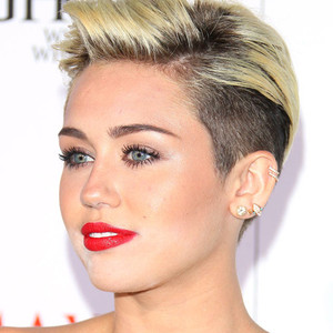 Miley Cyrus, Makeup