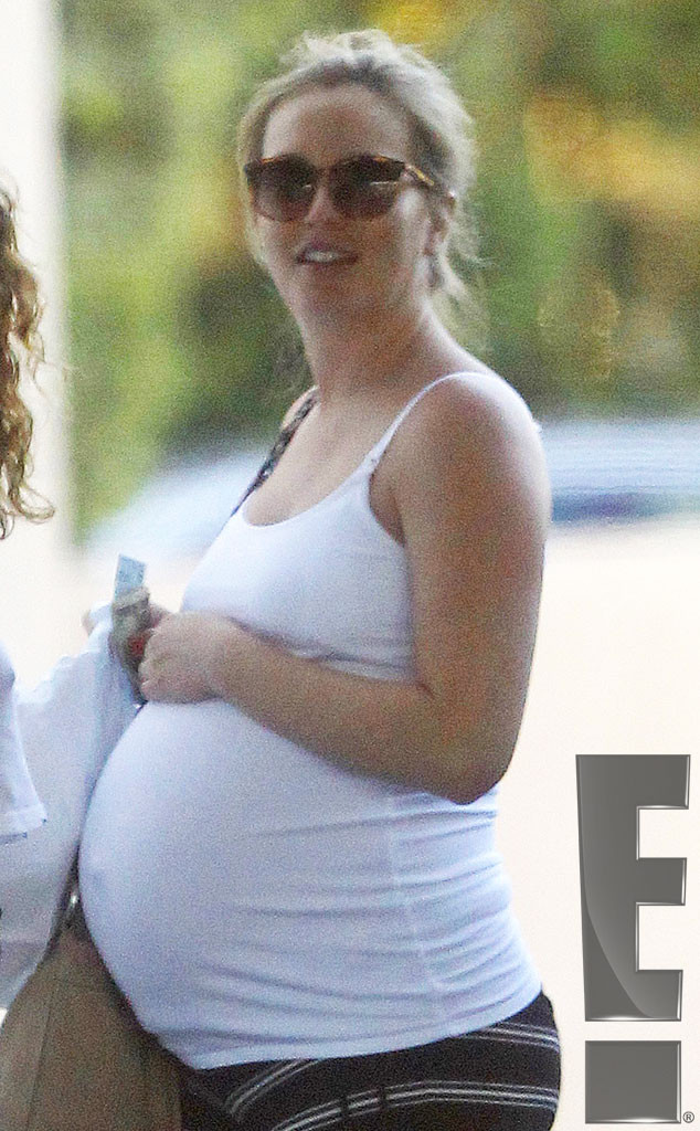 Leighton Meester Is Ready To Pop Adam Brody S Wife