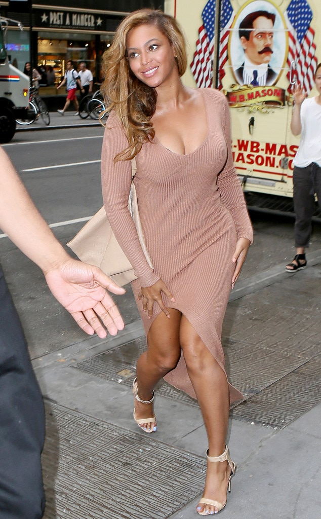 Nude Necessities From Beyonc 233 S Street Style E News