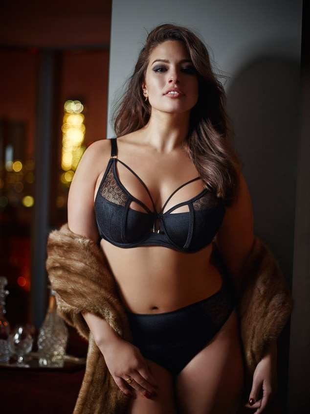 Plus-Size Supermodel Ashley Graham Poses in Sexy Lingerie ...