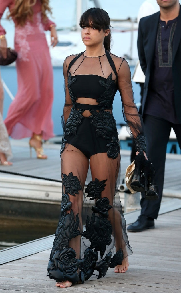 ... Goes Barefoot & More Fashion at Leonardo DiCaprio's Gala | E! News Leonardodicaprio