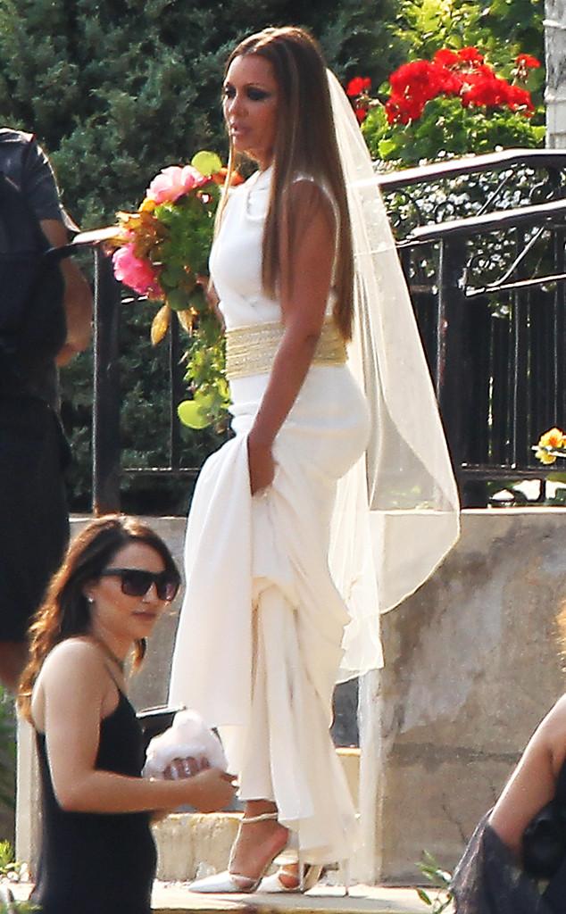 vanessa williams is flawless in goddessinspired wedding