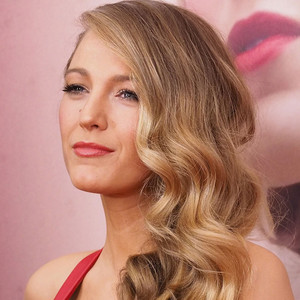 Pin Up Perfection A Surprising Way To Get Red Carpet