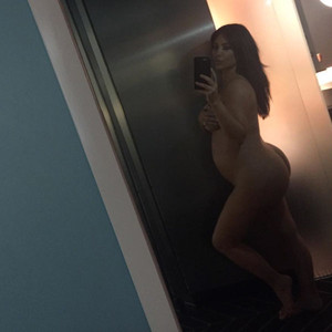 Kim Kardashian, Pregnant, Naked, Selfie