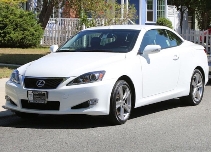 Christine Ouzounian Lexus, Car