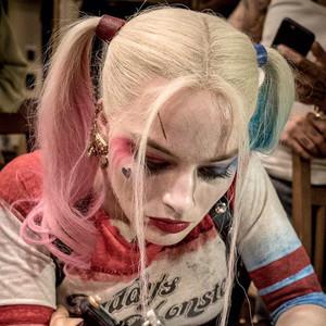 Margot Robbie, Twitter