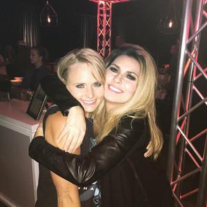 Shania Twain, Miranda Lambert Twitter