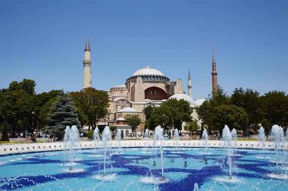E_in_the_City_Istanbul_0390