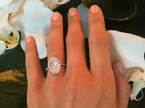 Julianne Hough, Engagement Ring
