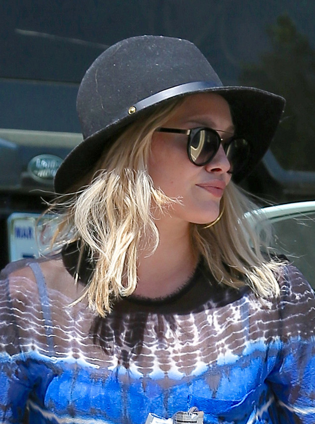 Hilary Duff, Summer Hat