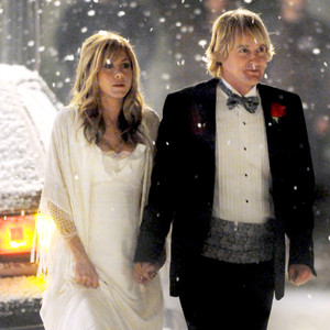 jennifer aniston wedding dress friends