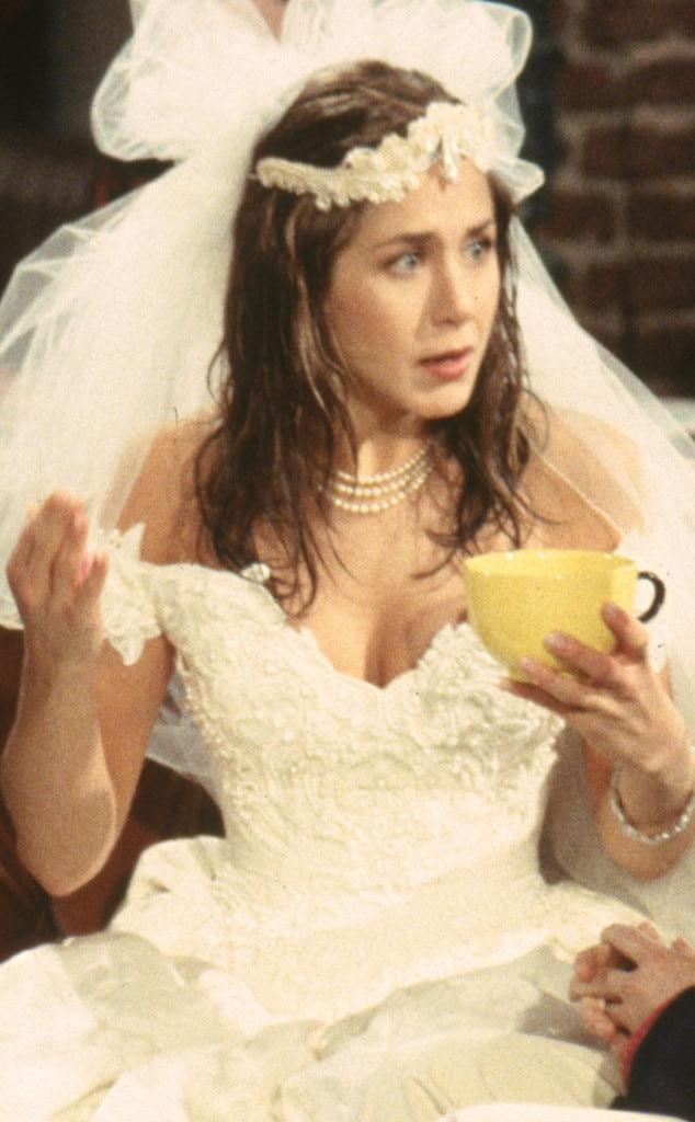 Jennifer Aniston Is A Beautiful Bride See Her Wedding Dress
