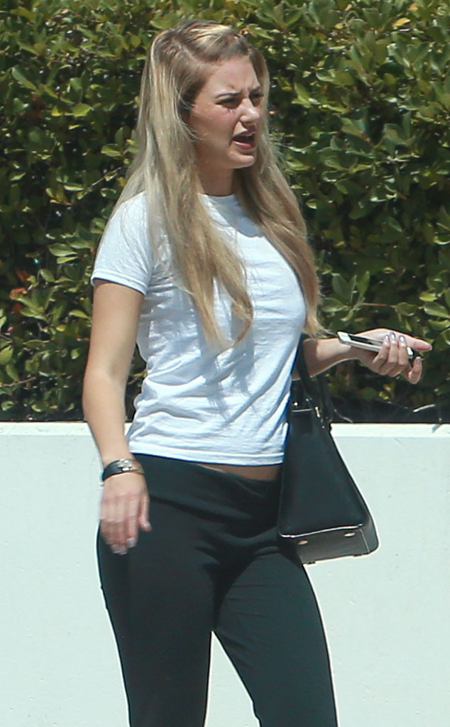 Briana Jungwirth Who S Expecting A Child With Louis