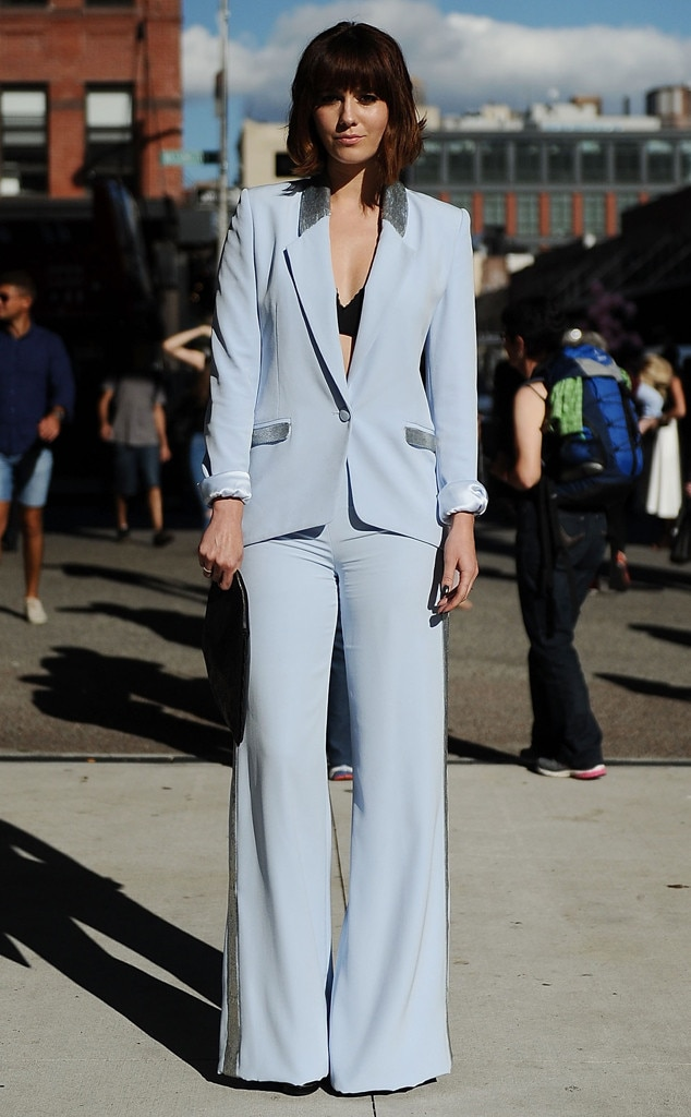 Mary elizabeth winstead from street style at new york fashion week spring 2016 e news Street style new york fashion week spring 2016
