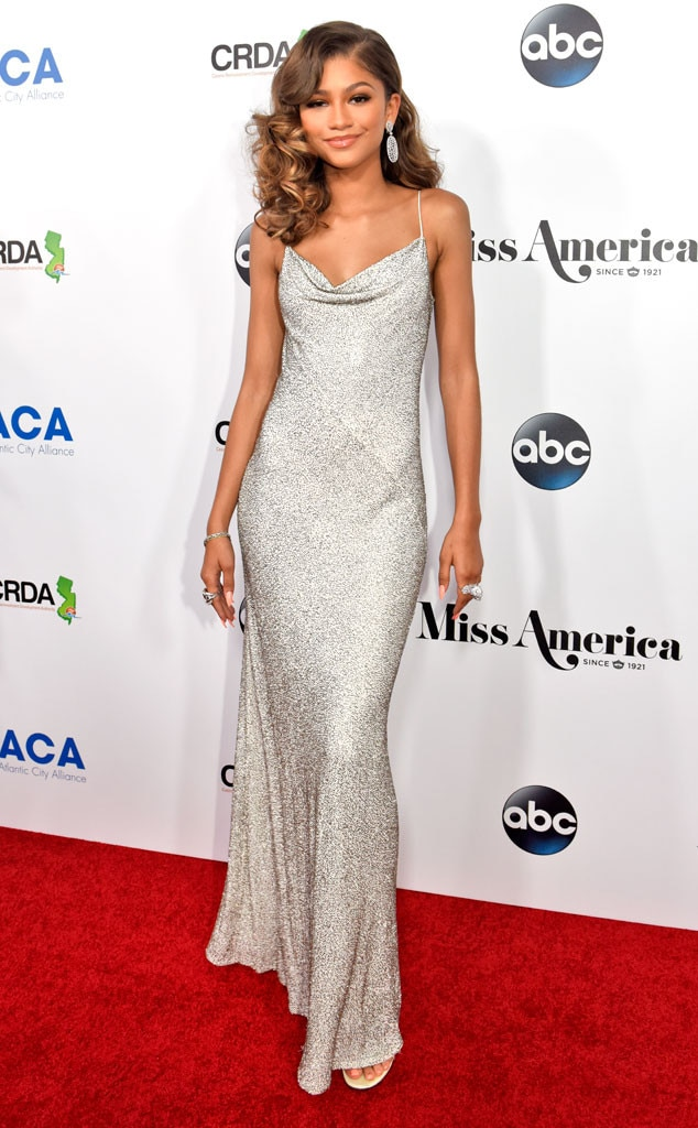 Old Hollywood Glam From Zendaya S Best Looks E News