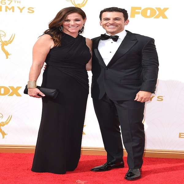 jennifer lynn stone fred savage from 2015 emmys red carpet couples e news deutschland. Black Bedroom Furniture Sets. Home Design Ideas