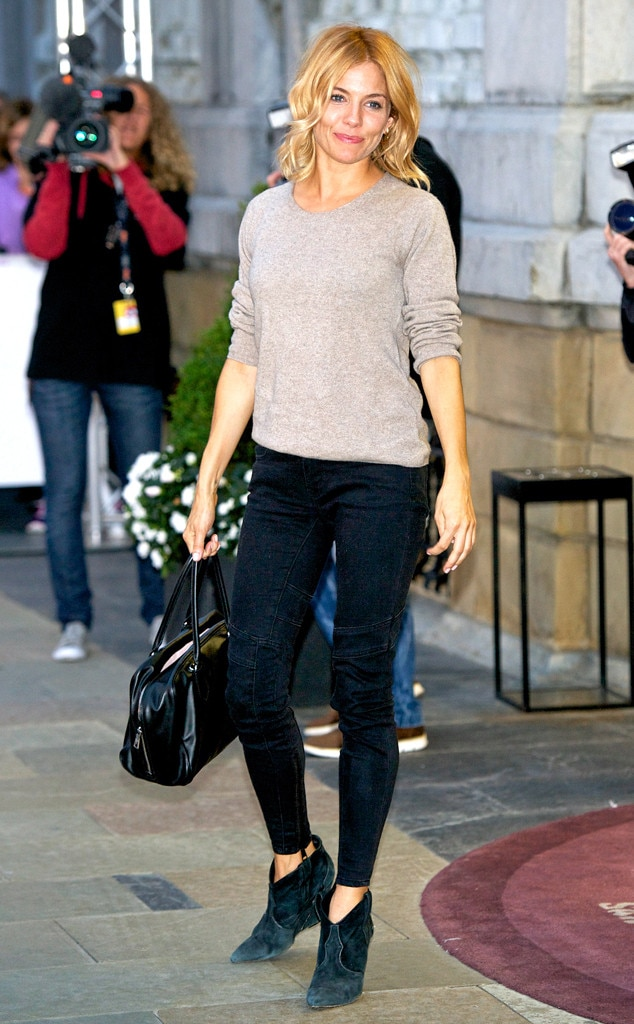 Give 39 em the boot from sienna miller 39 s street style e news Sienna miller fashion style tumblr